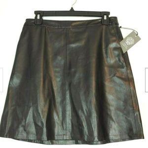 VINCE CAMUTO Women's Faux Leather Black Skirt Sz2